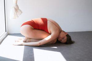 """Atelier """"Entrer dans l'hiver"""" – YIN Yoga & Rééquilibrage énergétique – Dimanche 28 Novembre de 17.00 à 19.00"""